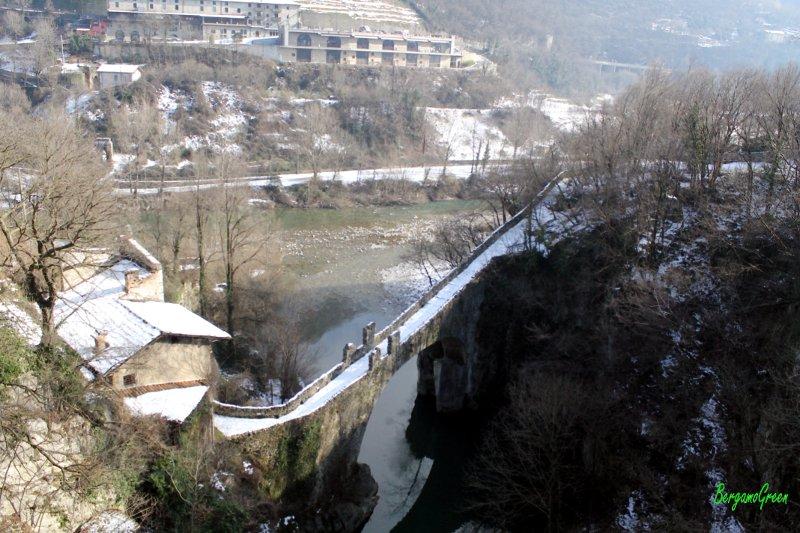 Ubiale clanezzo ponte sulla storia for Foto di ponti coperti