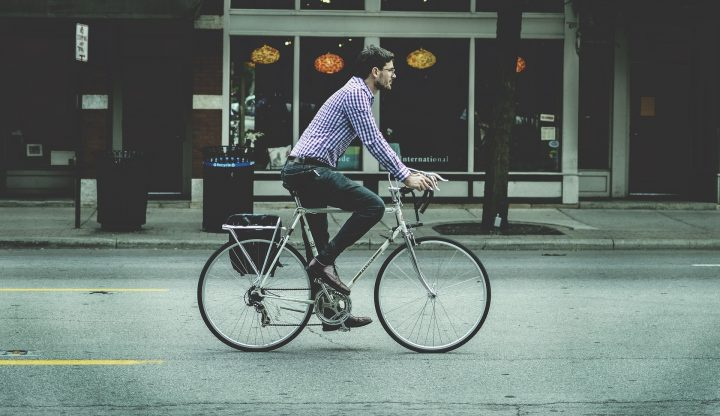 Ciclista urbano a Bergamo